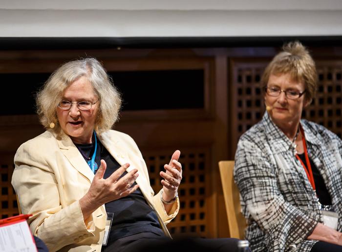 Prof. Elizabeth Blackburn taking part in a panel discussion at Lindau in 2014. Photo: R. Schultes/Lindau Nobel Laureate Meetings